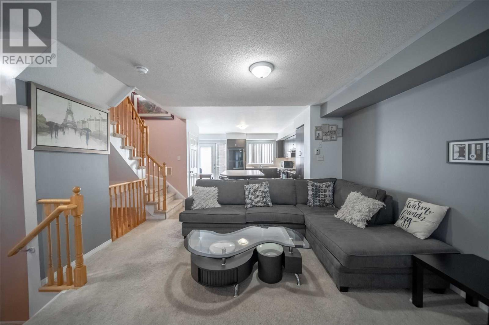 #142 -60 Fairwood Circ, Brampton, Ontario  L6R 0Y6 - Photo 4 - W5251208