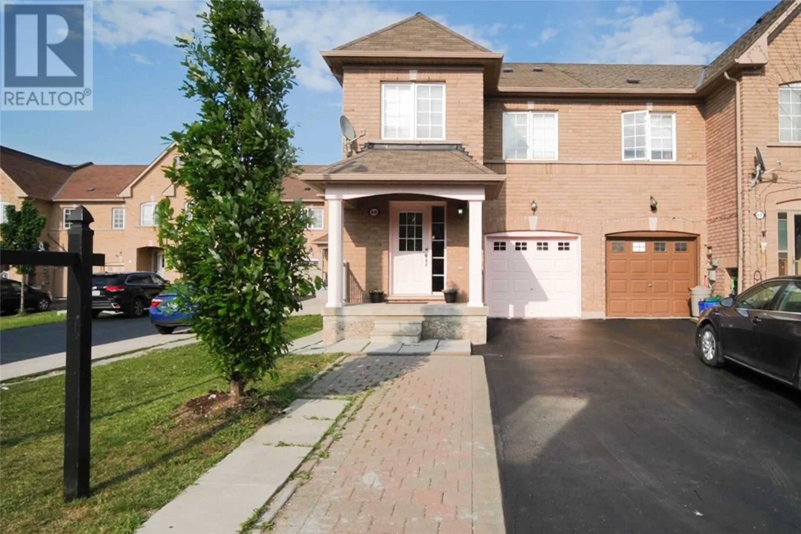 69 Tahir St, Vaughan, Ontario  L6A 4B4 - Photo 1 - N5261583