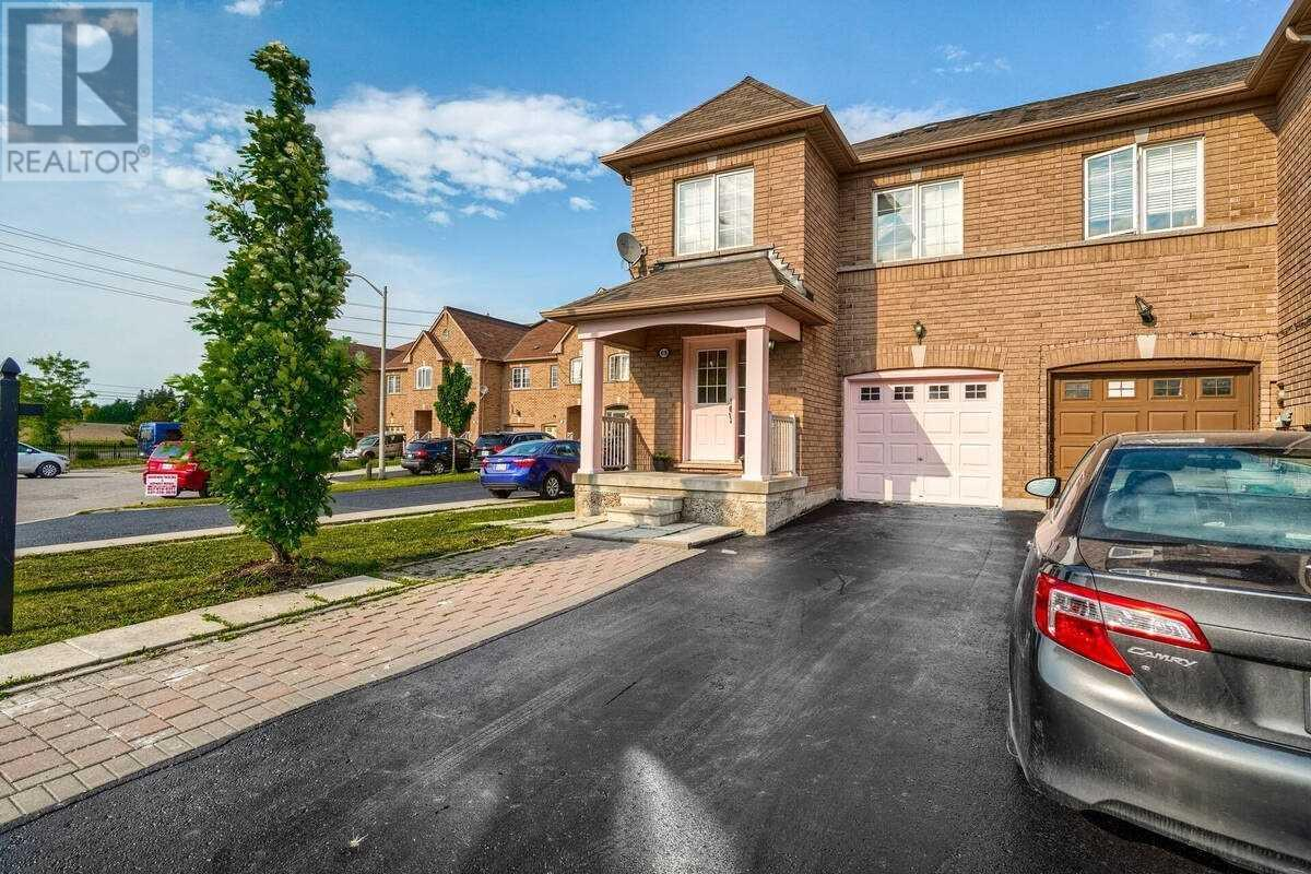 69 Tahir St, Vaughan, Ontario  L6A 4B4 - Photo 2 - N5261583