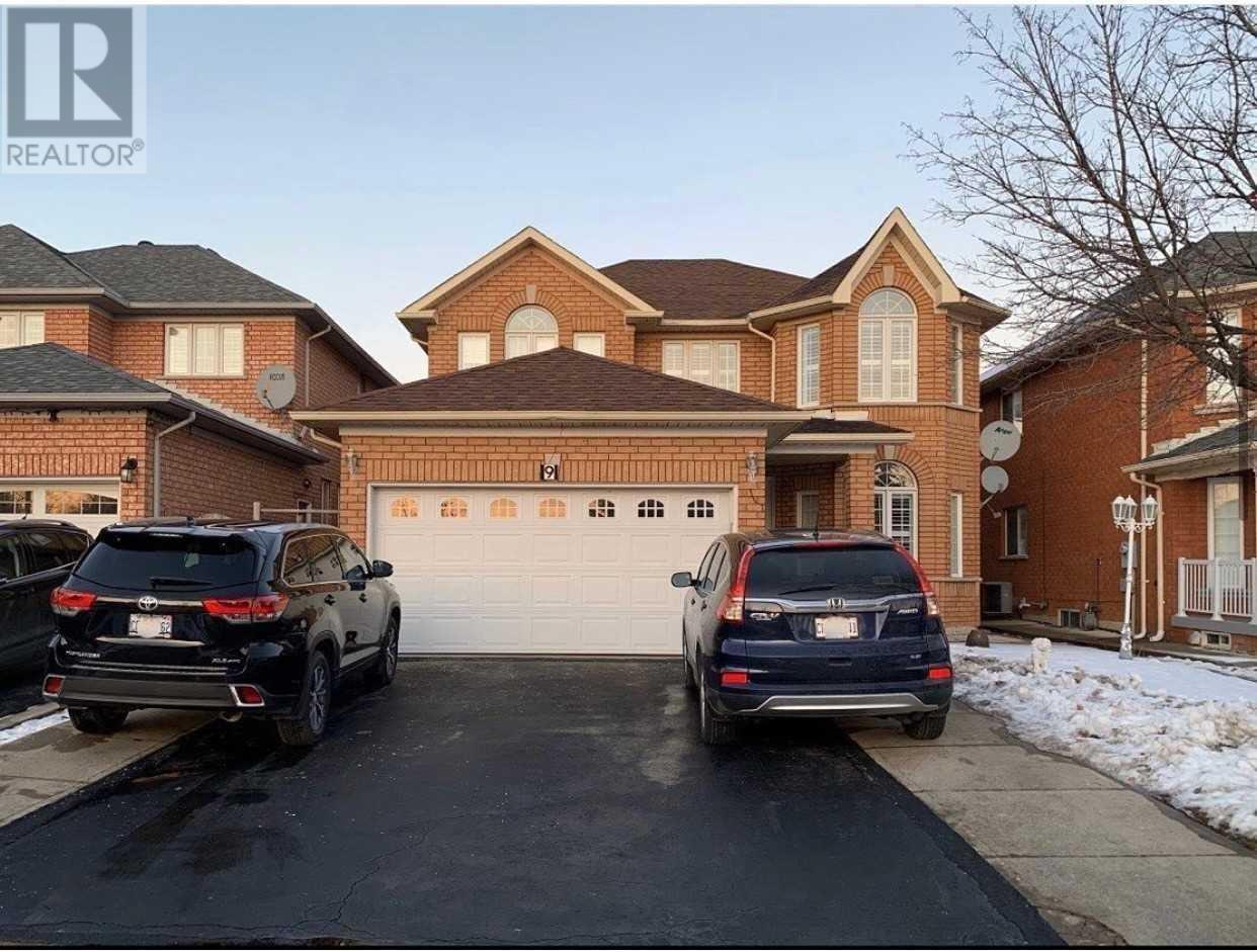 9 Dovesong Dr, Brampton, Ontario  L6R 1W6 - Photo 1 - W5264455